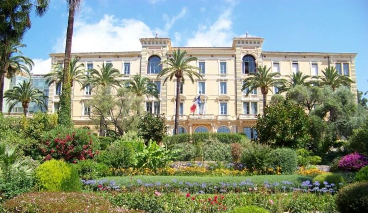 Grand hotel cours grandval ajaccio